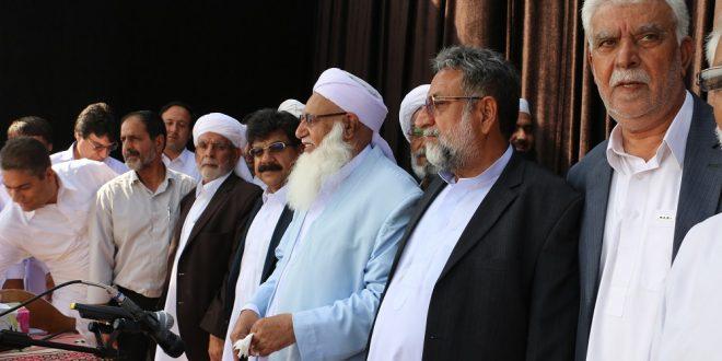 صلح دو طایفه بلوچ در عیدگاه اهل سنت شهرستان آزادشهر